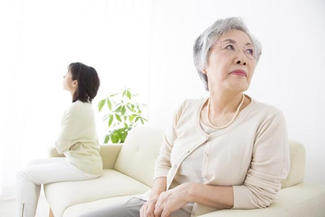 【実親と同居したくない】自分の親と一緒に暮らしたくない人は多い?
