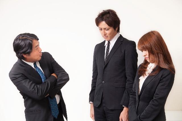 長話が嫌い…仕事で話が長い上司の特徴とイライラする時の対処法とは?