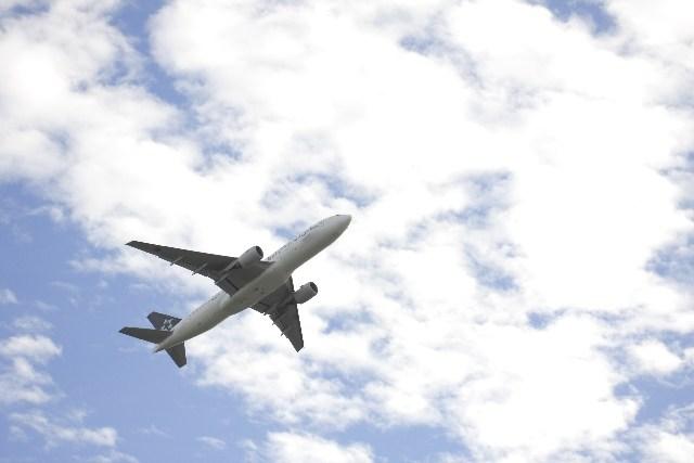 海外旅行に行きたいけれど…初めての飛行機が怖い人の理由と対策は?