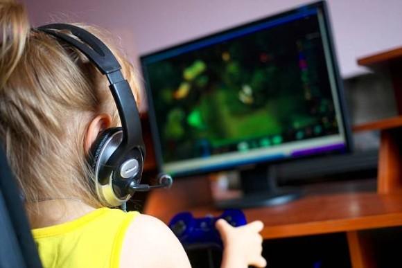 ゲームがやめられない…高校生がゲーム依存になる原因と対策方法は?