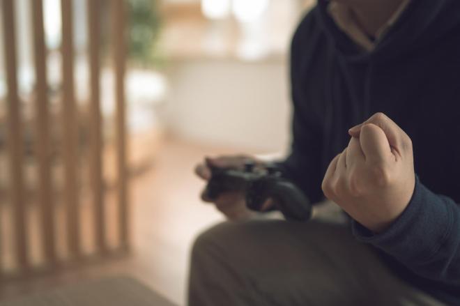 大人にも多いゲーム依存は治療が必要?ゲーム依存症の定義と対処法
