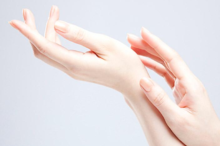 爪を噛む人は気持ち悪い…爪を噛む理由と噛まないようにする方法とは